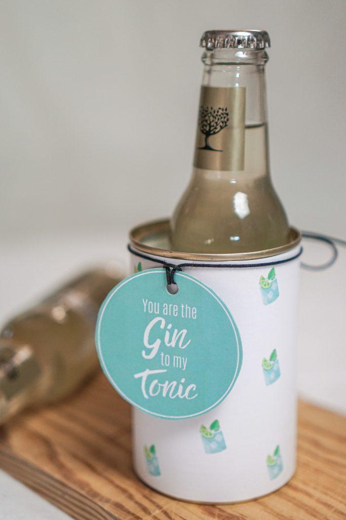 Konservendose zu Geschenkdose upgecycelt mit Geschenkanhänger und Gin Tonic