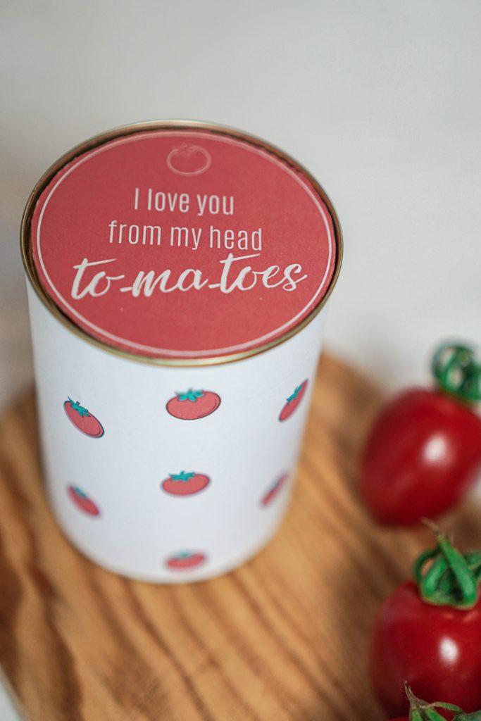 Konservendose zu Geschenkdose upgecycelt mit Geschenkanhänger und Kirschen