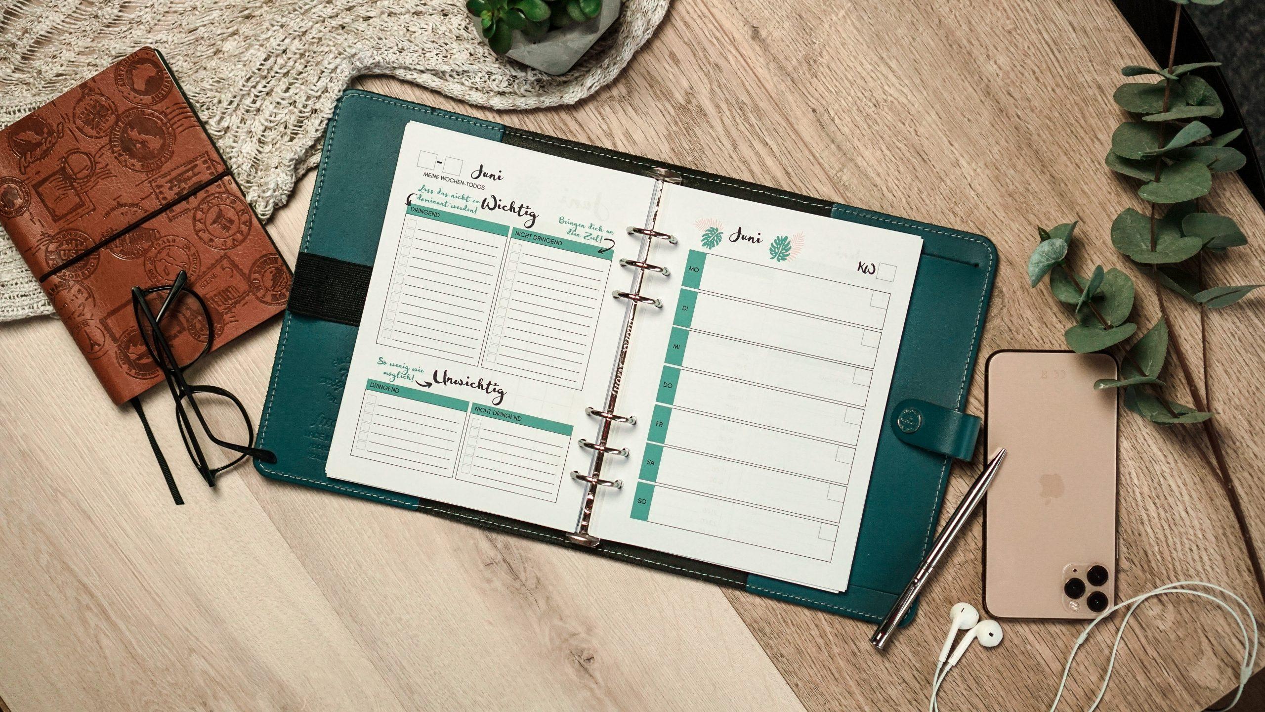 Filofax mit Kalendereinlagen zu erfolgreichen Wochenplanung.